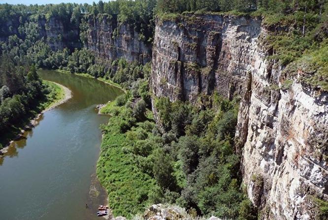 Рядом с пещерой Аверкиева Яма