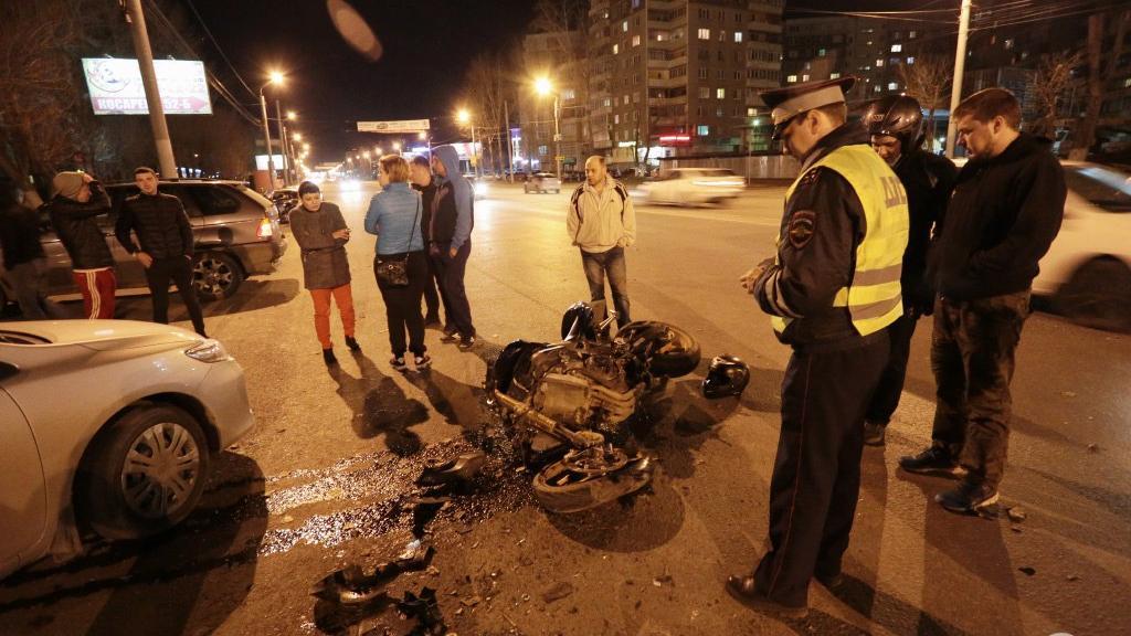 Видео с места гибели мотоциклиста на МКАД
